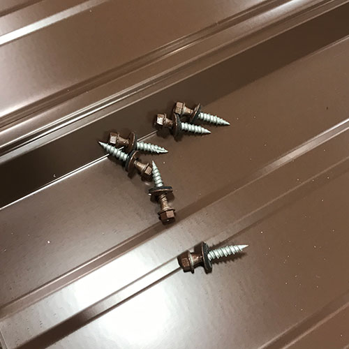 Color matching screws for quality shed metal
