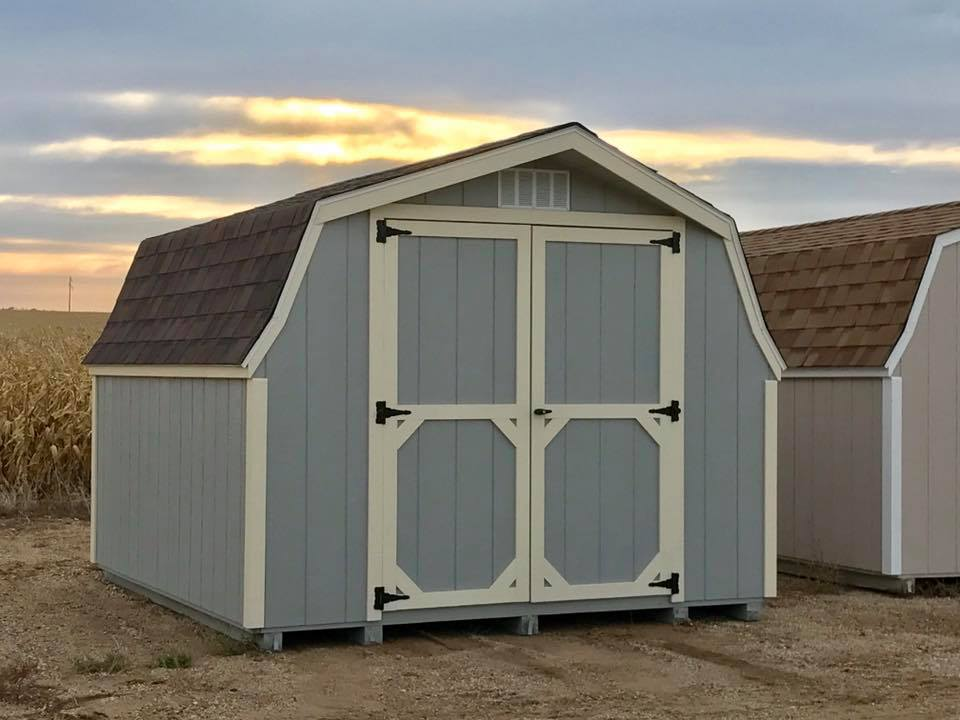 Low barn wood shed in fargo north dakota
